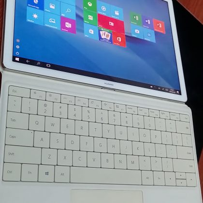Huawei Matebook Hz-W19 – 256 ssd – 8gb ram – Tablet and laptop